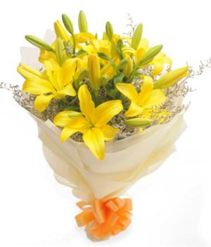 Bouquet of 6 Yellow Lillies Sunshine